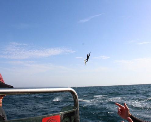 clases de kitesurf asistidas con barco